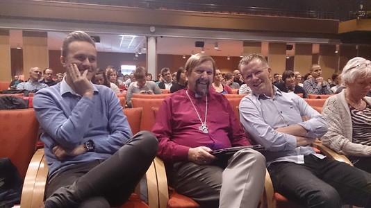 Frå venstre: Egil elling Ellingsen, biskop Graham Grey og Steve Bruns, tre sentrale personar i årets Agendakonferanse