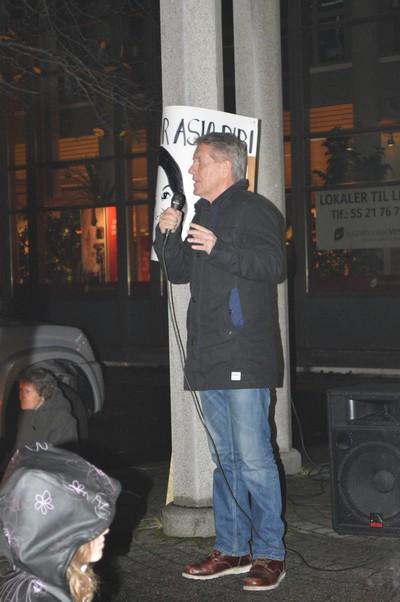 Rune Larsen heldt appell på torget